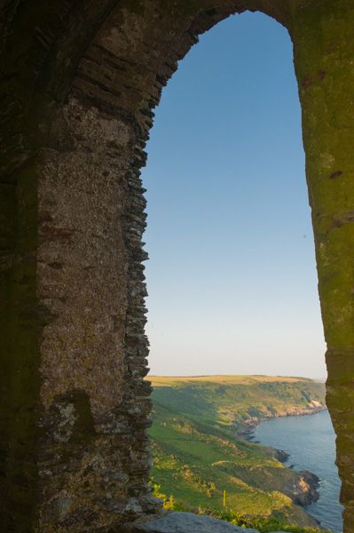 Rame Head Chapel photo, The east window view