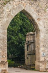 Ramsey Abbey Gatehouse, The gateway arch