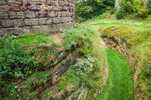 Ravenscraig Castle photo, The dry moat ditch