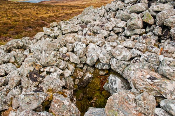 Reineval chambered cairn photo, Collapsed chamber