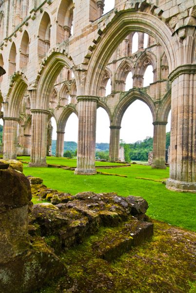 Rievaulx Abbey Yorkshire Historic Guide