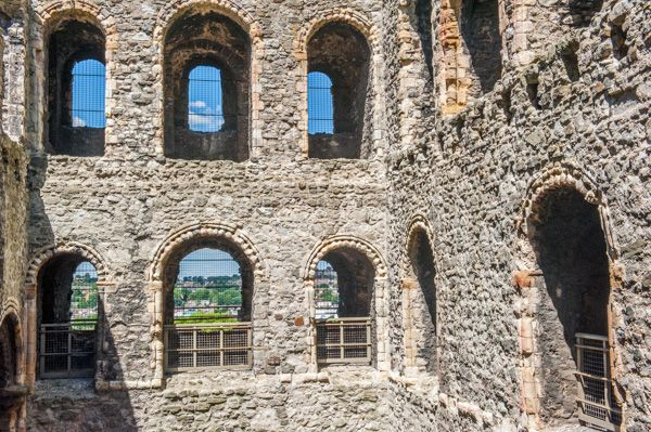 Rochester Castle photo, The keep interior