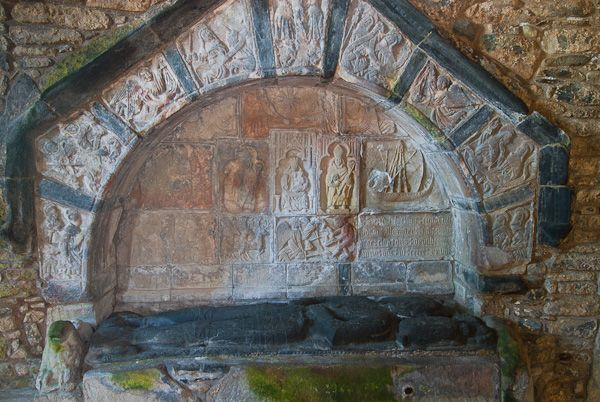 Rodel, St Clements Church photo, Alexander MacLeod tomb