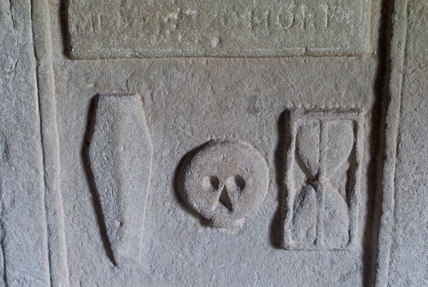 Rodel, St Clements Church photo, MacLeod tomb carving