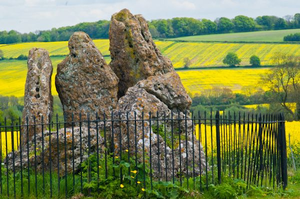 Rollright Stones photo, Whispering Knights view 2
