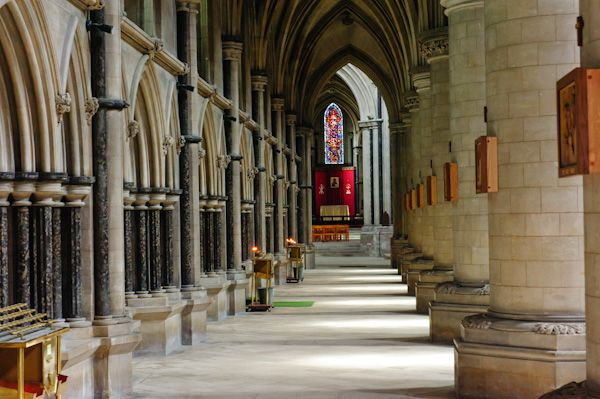 Norwich Catholic Cathedral photo, The south aisle