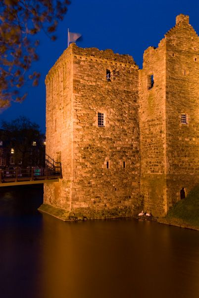 Rothesay Castle photo, The gatehouse at night