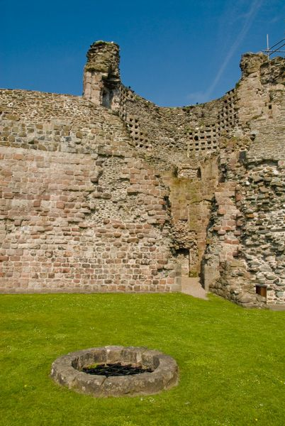 Rothesay Castle photo, The castle well