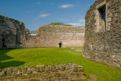 Rothesay Castle, Inside the castle walls