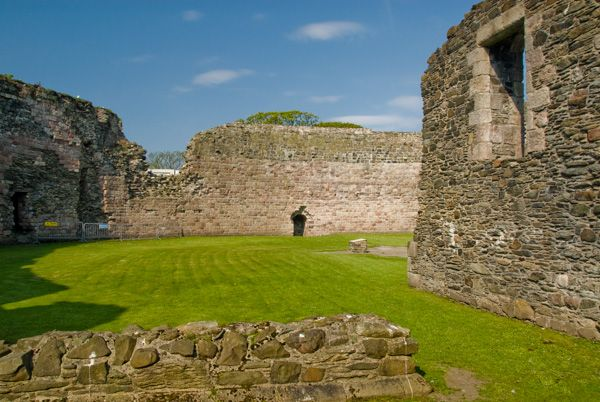 Rothesay Castle photo, Inside the castle walls