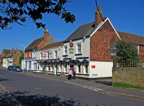 Lydd photo, The Royal Mail pub (c) PL Chadwick