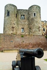 A cannon in front of Ypres Tower
