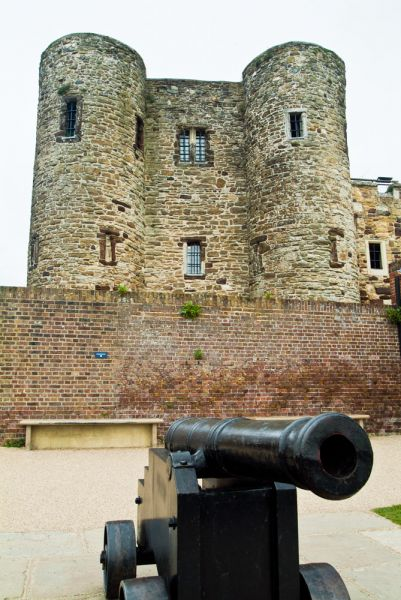 Rye Castle Museum photo, A cannon in front of Ypres Tower