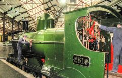 Steam - Museum of the Great Western Railway, Preparing engine 2516 to roll!