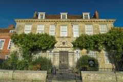 Mompesson House, cathedral close
