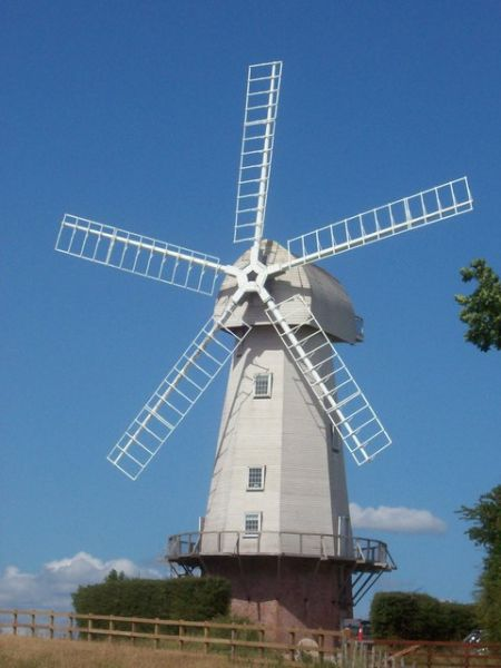 Sandhurst photo, Sandhurst windmill (c) Michael Roots