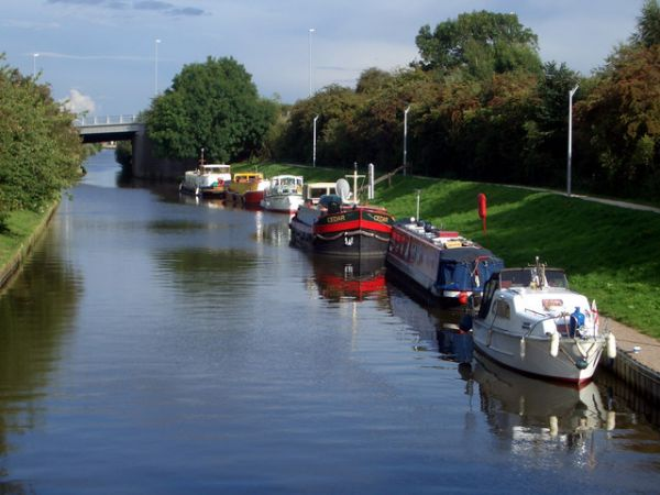 Saxilby photo, Boats on the Foss Dyke Navigation (c) Des Blenkinsopp