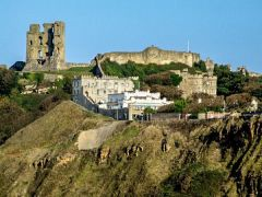 Scarborough Castle (c) Dave Hitchborne