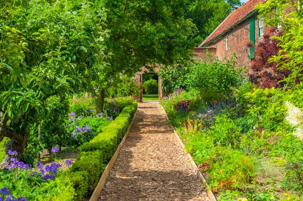Scawby Hall photo, A path in the walled garden