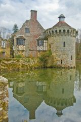 Peaceful reflections of the Old Castle