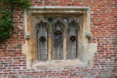 Scrivelsby, Scrivelsby gatehouse window (c) Chris