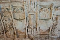 Coats of arms, Middleham tomb