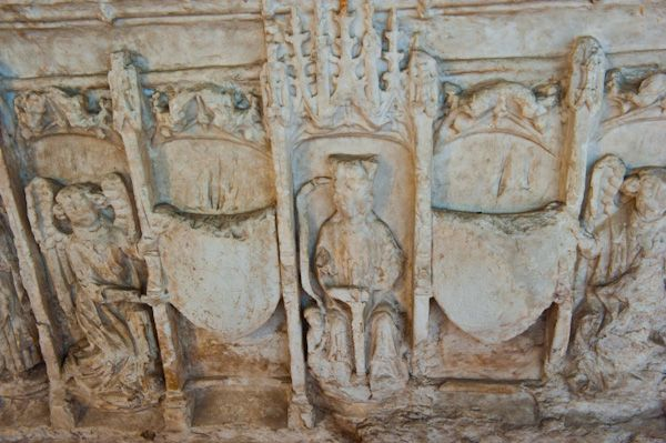 Sheriff Hutton Church photo, Coats of arms, Middleham tomb