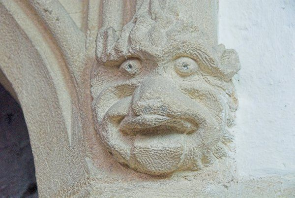 Shipton under Wychwood, St Mary the Virgin photo, Carved head