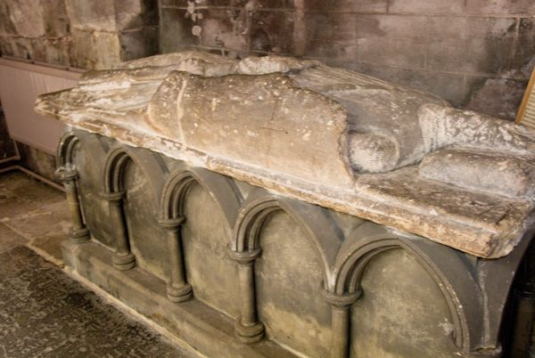 Shrewsbury Abbey Photo, Roger de Montgomery tomb