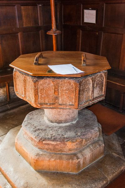 Shrivenham, St Andrew's Church photo, 13th century Purbeck marble font