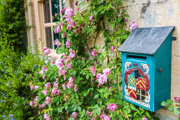 Snowshill Manor photo, Letter box at the door