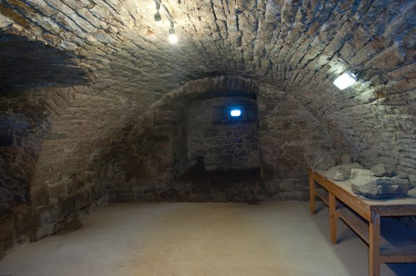 Spynie Palace photo, Storage cellar