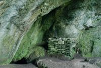 The drystone altar