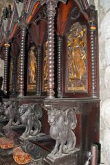 St Conan's Kirk, Carved choir stalls