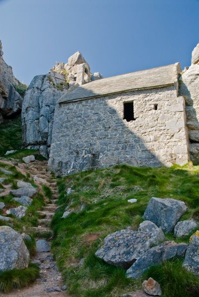 St Govan's Chapel photo, The path to the shore
