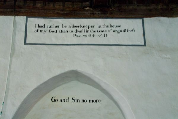 St Margaret's Church photo, 18th century Wall texts