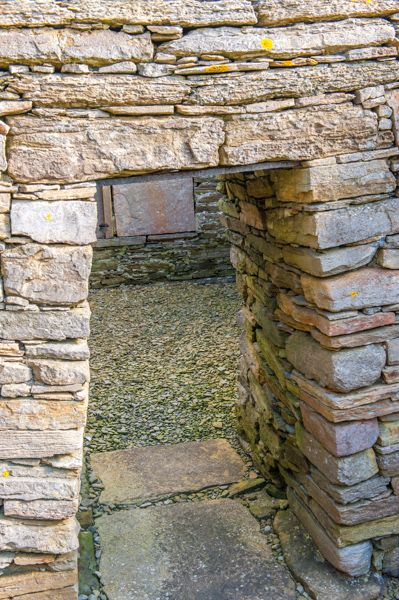 St Mary's Chapel, Crosskirk photo, The tapered chancel doorway