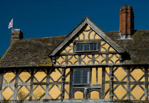 Stokesay Castle photo, Timber framed gatehouse