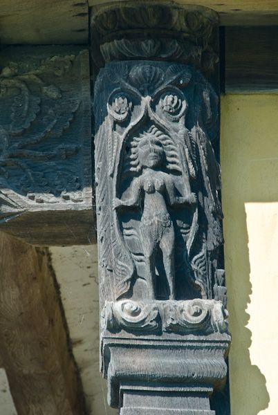Stokesay Castle photo, Carving of Eve