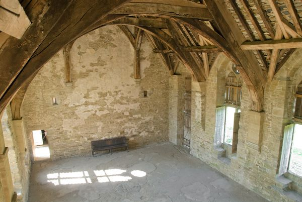 Stokesay Castle photo, Great Hall interior