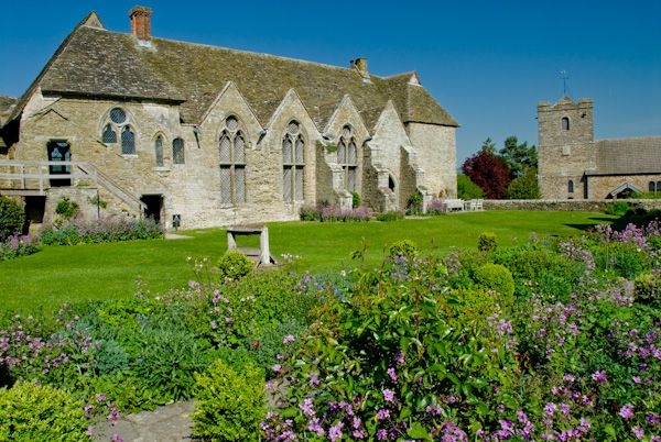 Stokesay Castle photo, Great Hall exterior