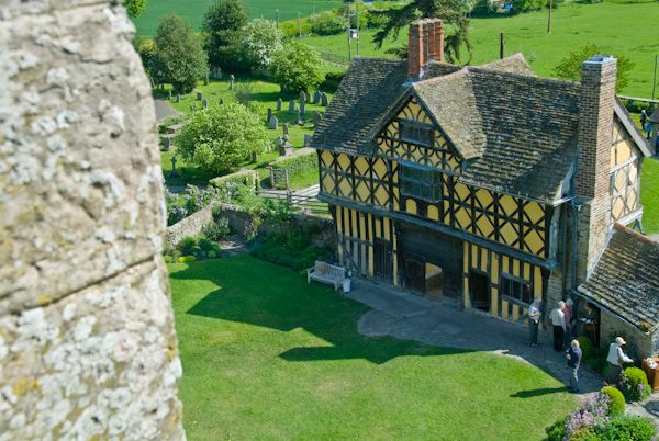 Stokesay Castle photo, Gatehouse view from above