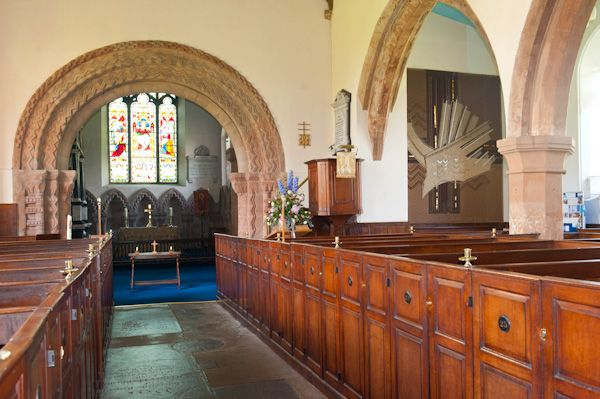 Stoneleigh, St Mary's Church photo, Nave and box pews