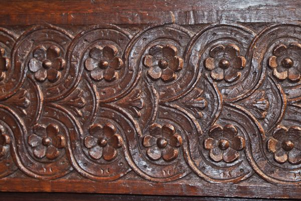 Strangers Hall photo, Tudor carved panelling