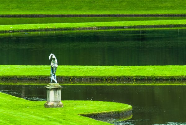 Fountains Abbey photo, Classical statue in the water garden