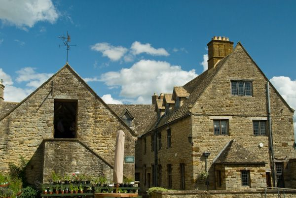 Sulgrave Manor photo, West front