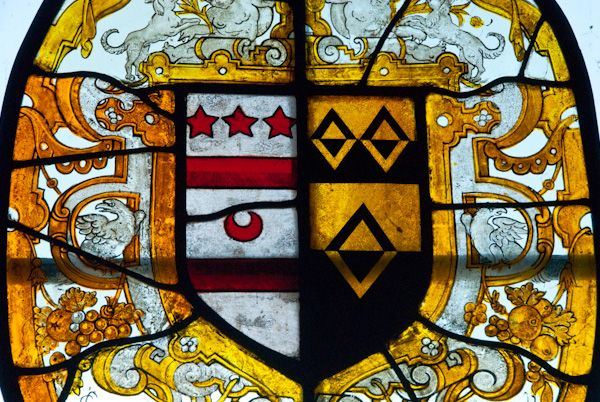 Sulgrave Manor photo, Washington stained glass coat of arms