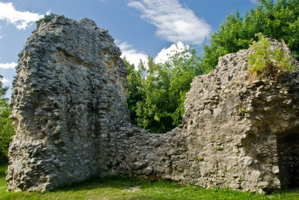 Sutton Valence Castle photo, Inner walls