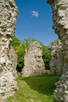 Sutton Valence Castle, Castle walls