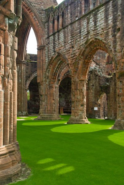 Sweetheart Abbey photo, Looking up the nave
